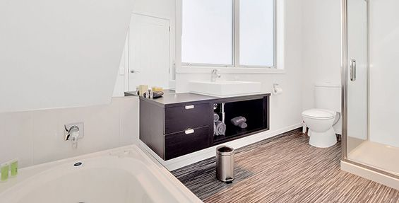 1 bedroom unit bathroom