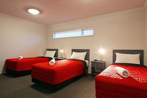 2-Bedroom Suite single beds