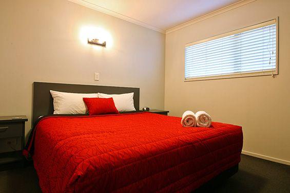 2-Bedroom Suite bed