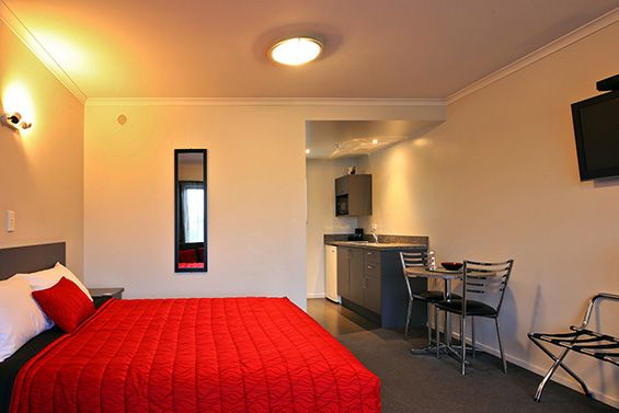 Spa Studio Suite bed