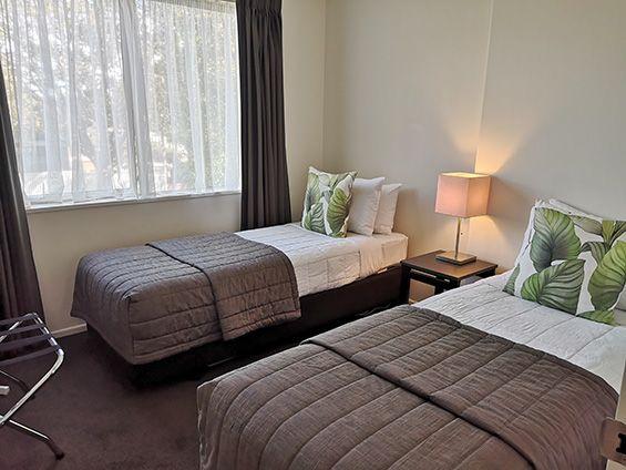 3-bedroom unit twin beds