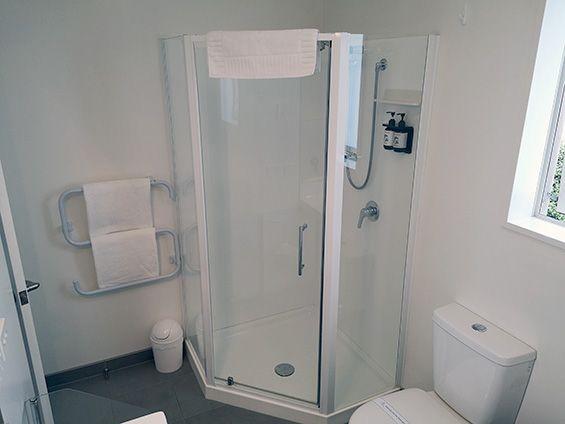 superior king studio with spa bathroom