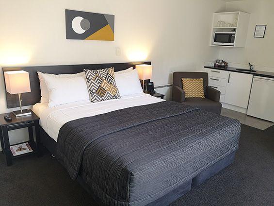 superior king studio bed