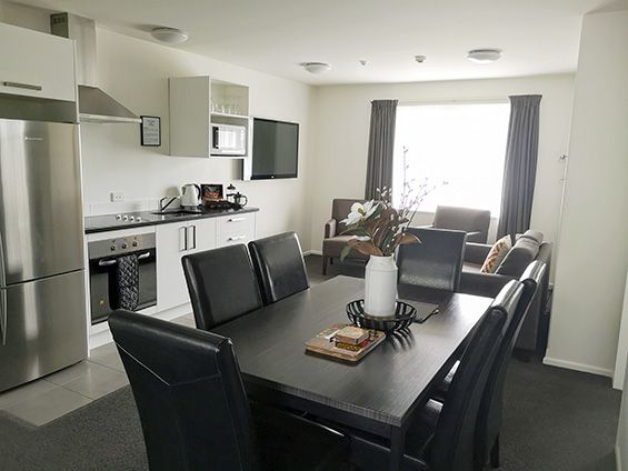 3-bedroom unit dining area